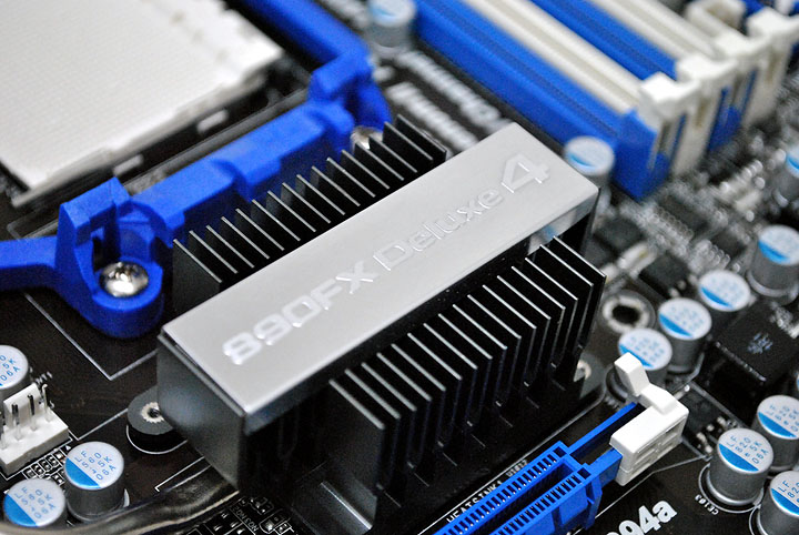 1513 Asrock 890FX Deluxe4  Review