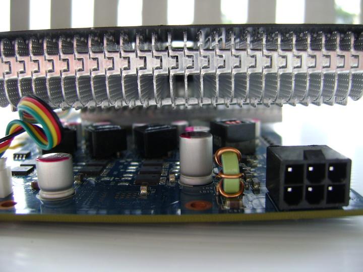 dsc04760 inno3D GF GTS450 1GB DDR5