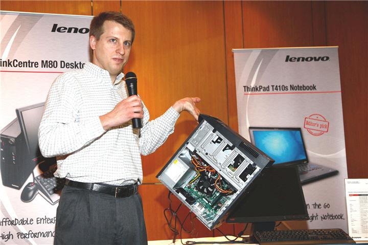 mattkohut เลอโนโวฉลองครบรอบ 18 ปี ThinkPad ออก Innovation Campaign ทั่วอาเซียน