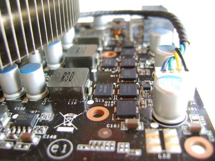 dsc04805 720x540 msi N460GTX Cyclone 768D5 OC EDITION
