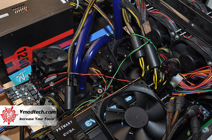 dsc 0319 GeForce GTX 580 4Way SLI with 24Threads CPU!!!