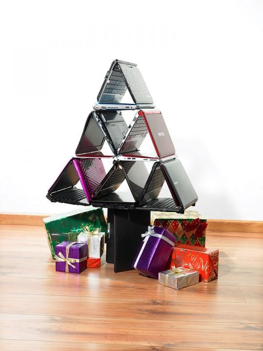 netbook xmas tree 540x720 หาของขวัญถูกใจ ใช้ประโยชน์ได้จริง ไม่ยากอย่างที่คิด
