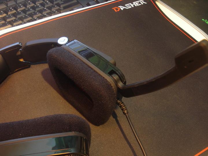 dsc09527 resize Tt eSPORTS Shock Gaming Headset