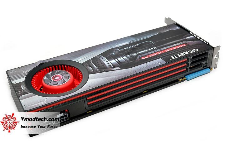 dsc 0066 GIGABYTE AMD Radeon HD 6970 2GB GDDR5 Debut Review
