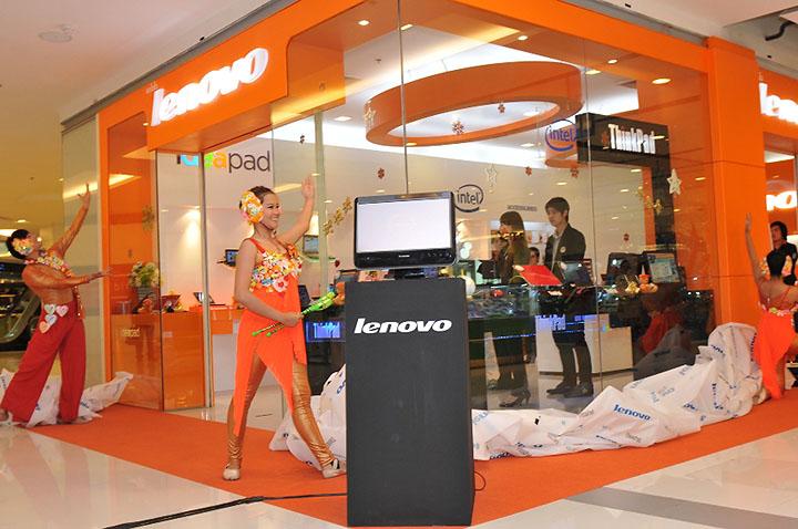 dance opening 2 เลอโนโวเปิดร้าน Lenovo Exclusive Store by Softworld ณ ศูนย์การค้าเซ็นทรัลเวิลด์ พร้อมรุกธุรกิจเต็มรูปแบบ