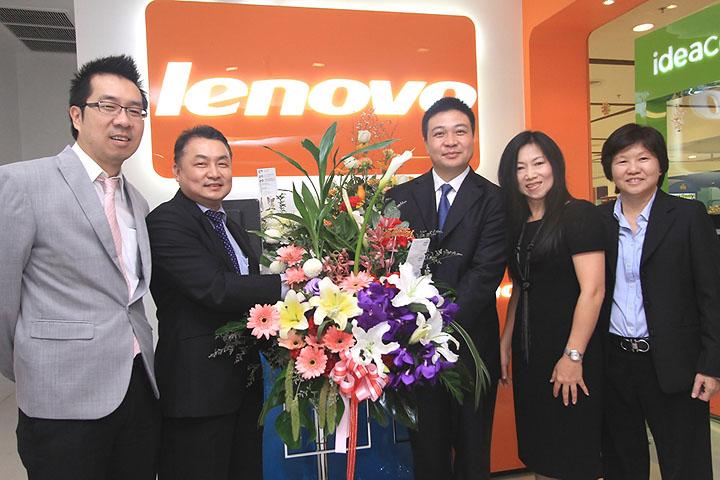 from intel เลอโนโวเปิดร้าน Lenovo Exclusive Store by Softworld ณ ศูนย์การค้าเซ็นทรัลเวิลด์ พร้อมรุกธุรกิจเต็มรูปแบบ