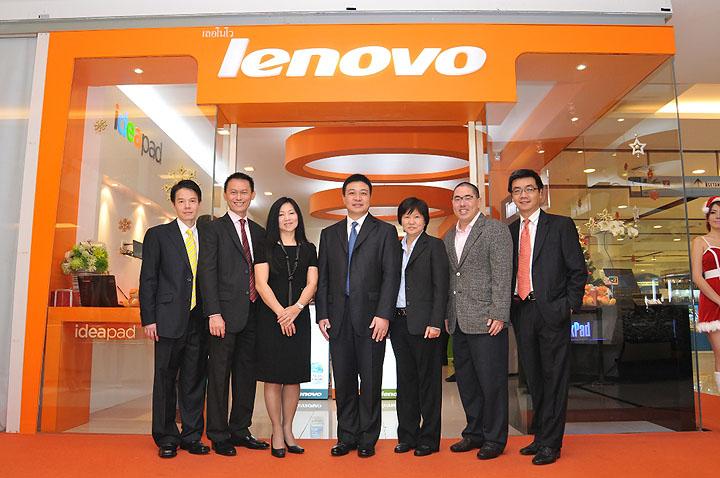 tue 0852 เลอโนโวเปิดร้าน Lenovo Exclusive Store by Softworld ณ ศูนย์การค้าเซ็นทรัลเวิลด์ พร้อมรุกธุรกิจเต็มรูปแบบ