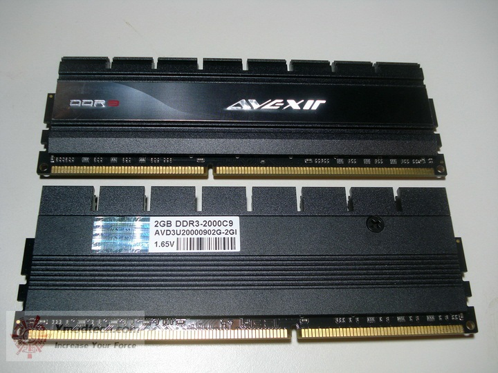 dsc09737 resize AVEXIR Blitz Gaming Series DDR3 2,000 MHz