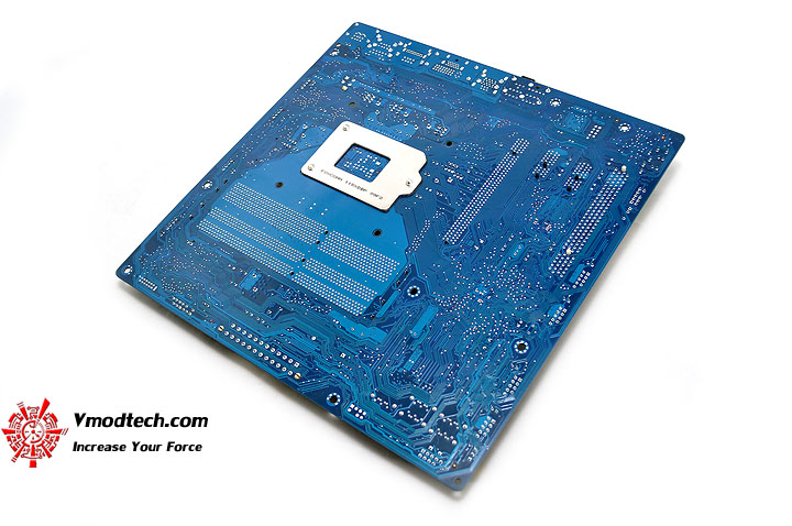 dsc 0201 The Sandy Bridge Review: Intel Core i7 2600K and Core i5 2500K Tested
