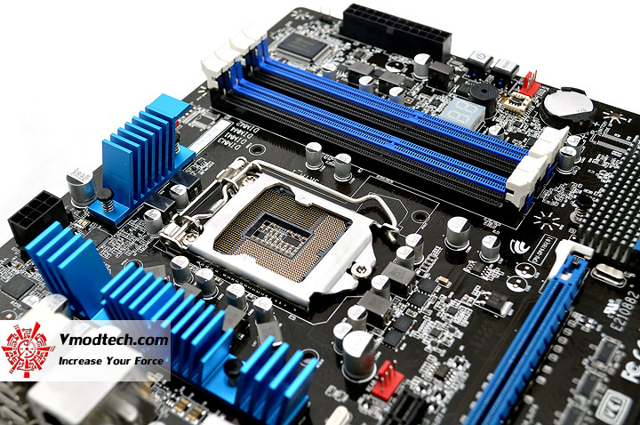 dsc 0232 The Sandy Bridge Review: Intel Core i7 2600K and Core i5 2500K Tested