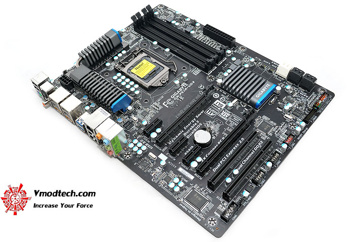 dsc 0259 GIGABYTE P67A UD4 Motherboard Review