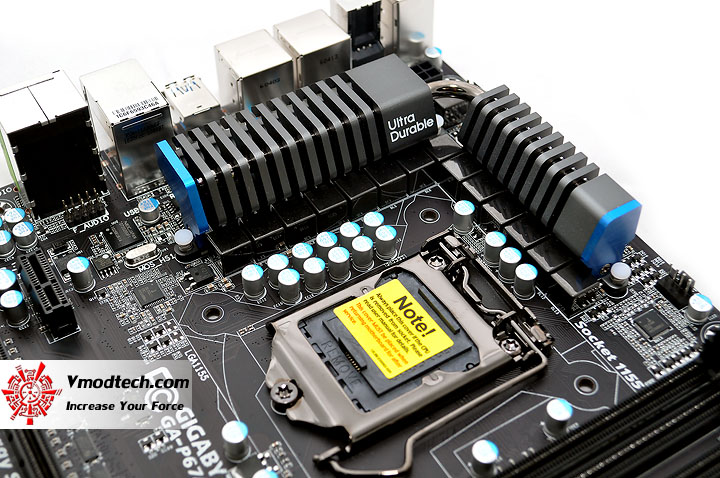 dsc 0262 GIGABYTE P67A UD4 Motherboard Review