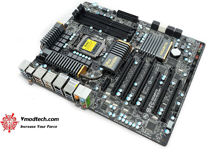 dsc 0123 GIGABYTE P67A UD7 Motherboard Review