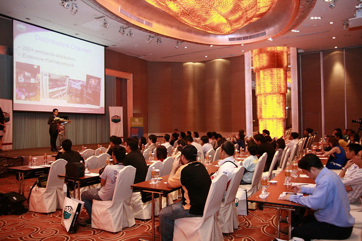 cm 10 Cooler Master ตอกย้ำความเป็นผู้นำแบรนด์ เคส เพาเวอร์ซัพพลาย ซีพียูคูลเลอร์และอุปกรณ์ระบายความร้อนในเมืองไทย จัดสัมมนาและเลี้ยงขอบคุณคู่ค้าและสื่ออย่างยิ่งใหญ่ เพื่อร่วมฉลองในความสำเร็จนี้ร่วมกัน