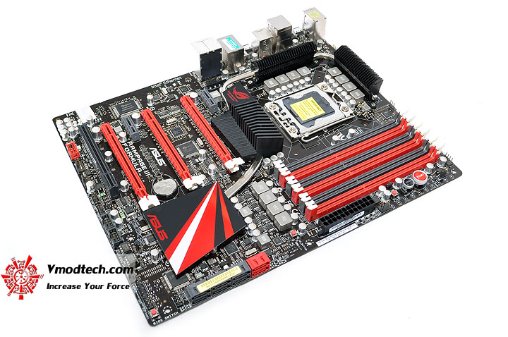 dsc 0006 ASUS RAMPAGE III FORMULA Motherboard Review
