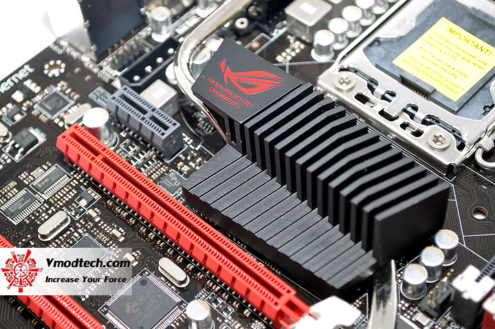 dsc 0012 ASUS RAMPAGE III FORMULA Motherboard Review