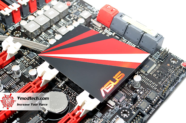 dsc 0013 ASUS RAMPAGE III FORMULA Motherboard Review