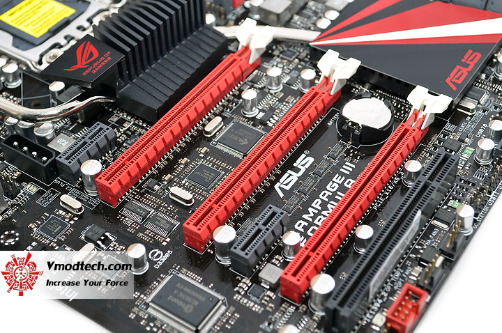 dsc 0017 ASUS RAMPAGE III FORMULA Motherboard Review