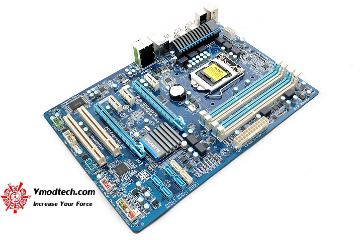dsc 0005 GIGABYTE P67A UD3 Motherboard Review