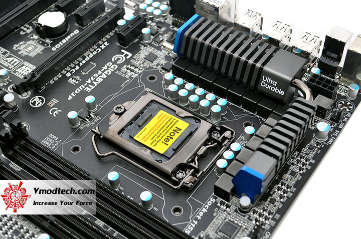 dsc 0009 GIGABYTE P67A UD3P Motherboard Review