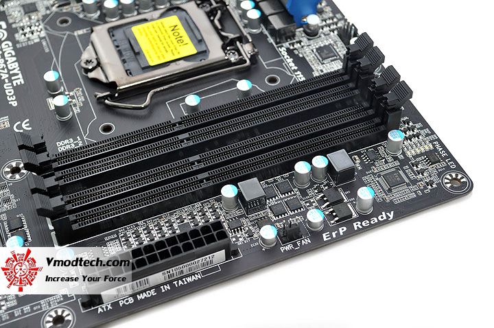 dsc 0010 GIGABYTE P67A UD3P Motherboard Review