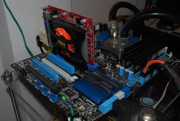 dsc 0176 Palit GeForce GT 440 1024MB GDDR5