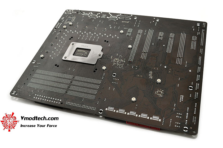 dsc 0007 ASRock Fatal1ty P67 Professional Motherboard Review