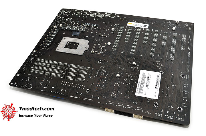 dsc 0091 MSI BIG BANG P67 MARSHAL Motherboard Review