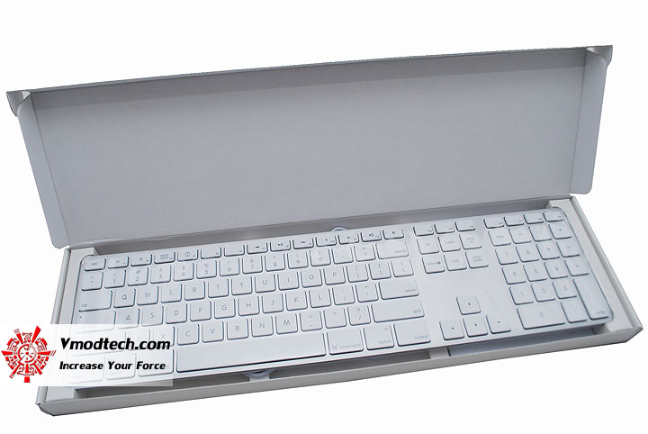 dsc 0522 Apple Keyboard with Numeric Keypad