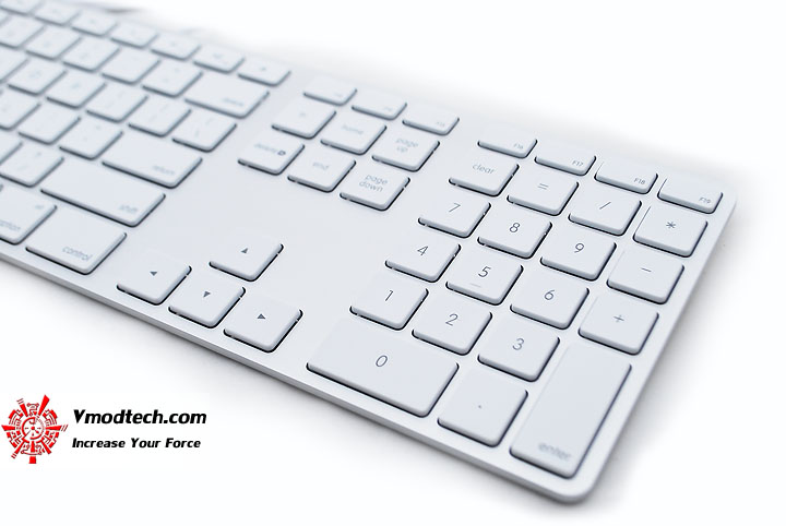 dsc 0527 Apple Keyboard with Numeric Keypad