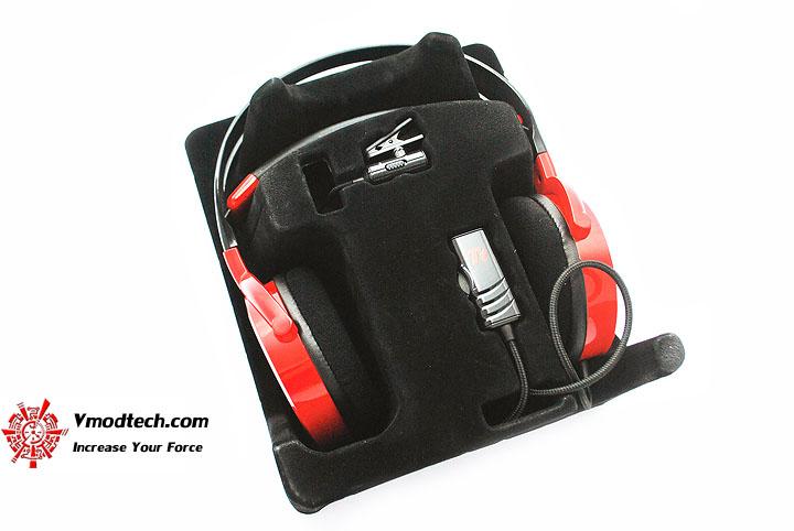 dsc 0132 Tt eSPORTS SHOCK SPIN Gaming Headset