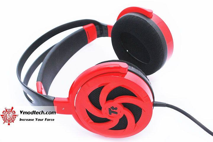 dsc 0135 Tt eSPORTS SHOCK SPIN Gaming Headset