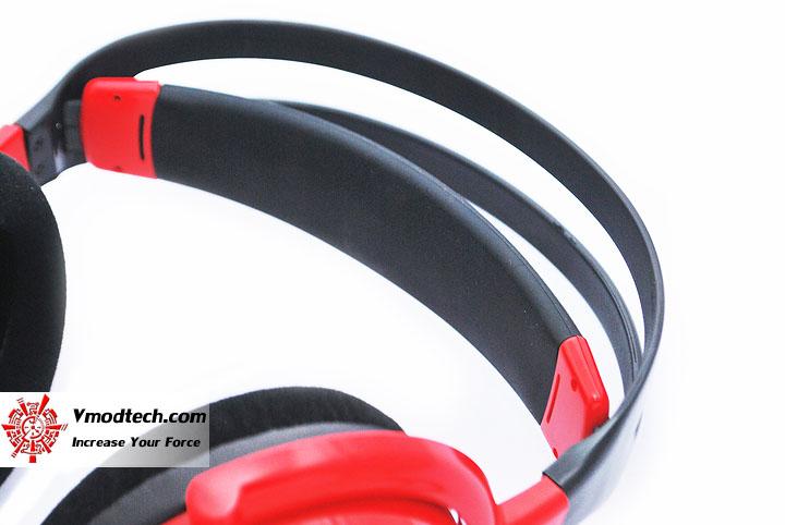 dsc 0138 Tt eSPORTS SHOCK SPIN Gaming Headset