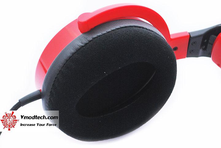 dsc 0140 Tt eSPORTS SHOCK SPIN Gaming Headset