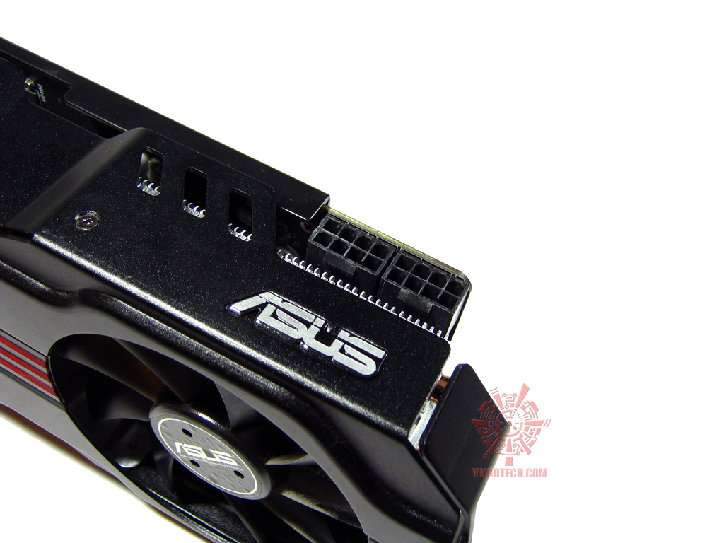 asus hd6970 16 Asus ATi HD6970 DirectCUII : Review