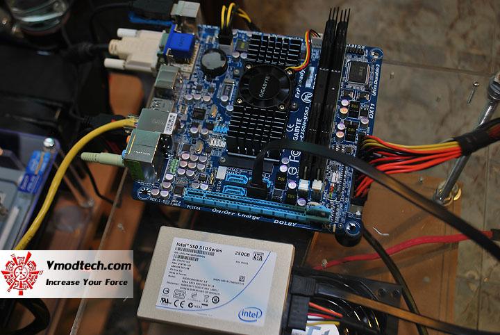 dsc 0458 GIGABYTE E350N USB3
