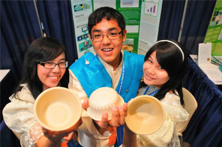 intel isef thai team with project surathhani team นักวิทยาศาสตร์ไทยรุ่นเยาว์คว้ารางวัลใหญ่ระดับโลกจากการประกวดอินเทล ไอเซฟ 2011
