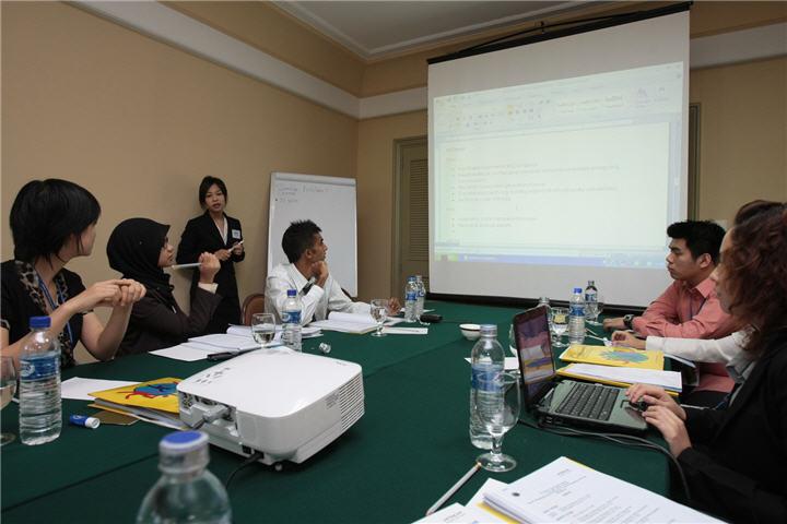 hyli 7 july 2008 indonesia91 ฮิตาชิ เชิญชวนเยาวชนเข้าร่วมโครงการผู้นำเยาวชนฮิตาชิ ครั้งที่ 11