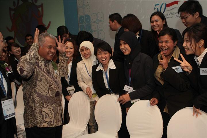 hyli 8 july 2008 indonesia40 ฮิตาชิ เชิญชวนเยาวชนเข้าร่วมโครงการผู้นำเยาวชนฮิตาชิ ครั้งที่ 11