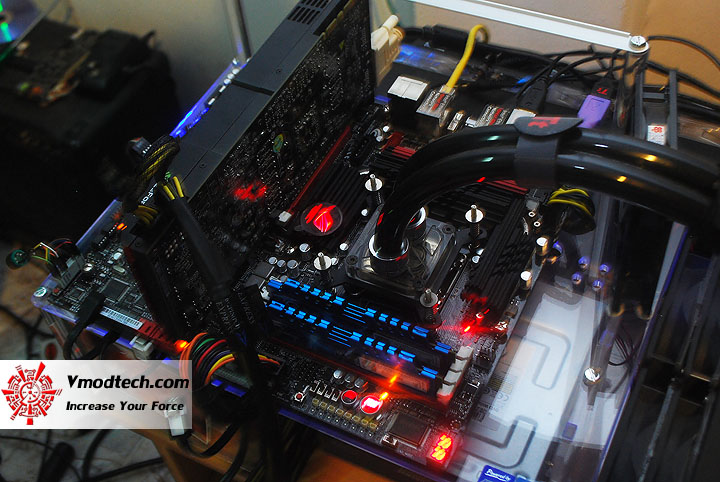 dsc 0920 ASUS Maximus IV Extreme P67 Motherboard