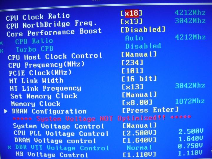 dsc05274 720x540 Gigabyte 990FXA UD7 Review
