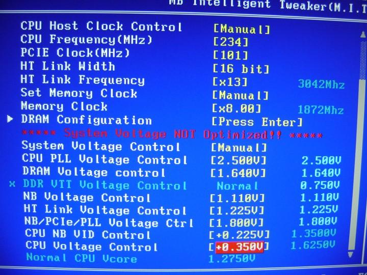 dsc05275 720x540 Gigabyte 990FXA UD7 Review