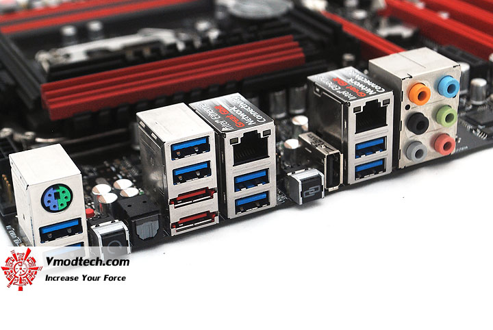 dsc 0912 ASUS Maximus IV Extreme P67 Motherboard