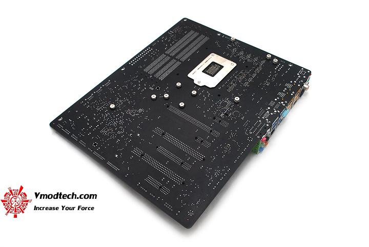 17 GIGABYTE Z68XP UD5 Extreme Motherboard