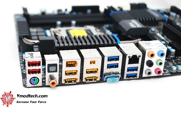 19 GIGABYTE Z68XP UD5 Extreme Motherboard