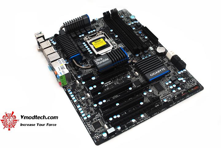 6 GIGABYTE Z68XP UD5 Extreme Motherboard