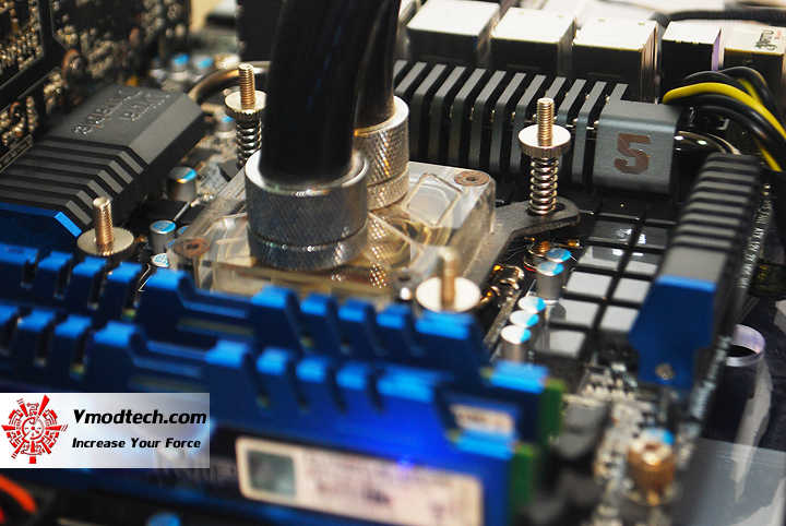 dsc 14031 GIGABYTE Z68XP UD5 Extreme Motherboard