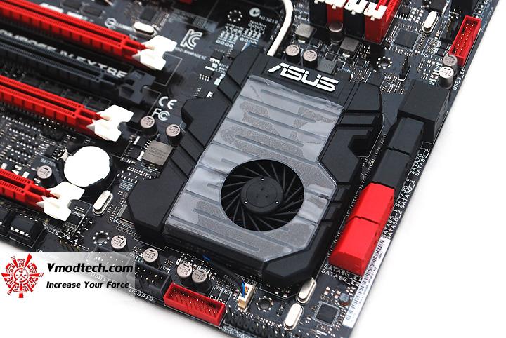 13 ASUS RAMPAGE IV EXTREME LGA 2011 Motherboard