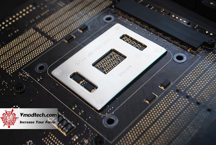 22 ASUS RAMPAGE IV EXTREME LGA 2011 Motherboard