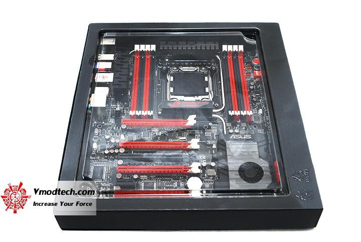 6 ASUS RAMPAGE IV EXTREME LGA 2011 Motherboard